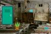 逃离废弃的教室